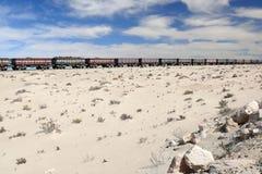Trem do minério de ferro no Sahara, Mauritânia imagem de stock