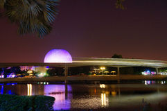 Trem do monotrilho de Disney em Epcot Fotografia de Stock Royalty Free