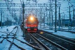 Trem do russo Comboio de passageiros R?ssia Metallostroy 8 de mar?o de 2019 imagens de stock royalty free