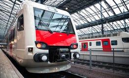 Trem expresso elétrico moderno fotografia de stock royalty free