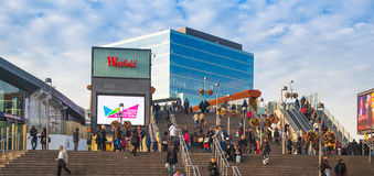 Trem internacional, tubo e estação de ônibus, uma da junção a mais grande do transporte de Londres e Reino Unido de Stratford Imagem de Stock