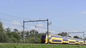 Trem interurbano vídeos de arquivo