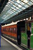 Trem na estação Fotografia de Stock Royalty Free