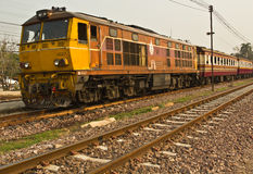 Trem rápido nenhum 112 de Antro-Chai a Banguecoque Fotos de Stock Royalty Free