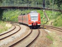 Trem regional entrante Fotos de Stock