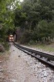 Trem, single-track em Kalavrita, Grécia imagem de stock royalty free