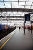 Trem subterrâneo, estação de Londres de Waterloo imagem de stock royalty free