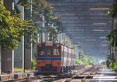 Trem tailandês e construcktion bom da esperança Fotografia de Stock Royalty Free