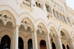 Tremblement de terre endommagé de palais de Vergara à partir de 2010 - Vina Del Mar - Chili Photos stock