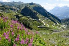 Tremola oude weg die tot St Gotthard pas leidt royalty-vrije stock fotografie