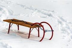 Trenó de madeira da neve do inverno fotos de stock royalty free