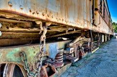 Tren aherrumbrado viejo foto de archivo