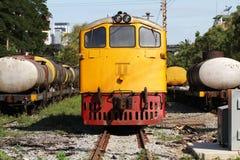 Tren amarillo del motor diesel Imágenes de archivo libres de regalías