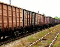 Tren con los contenedores para mercancías Foto de archivo libre de regalías