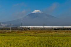 Tren de bala del monte Fuji y de Shinkansen Fotografía de archivo libre de regalías