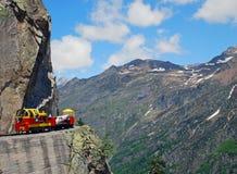 Tren de carga en el ferrocarril de Artouste Foto de archivo libre de regalías