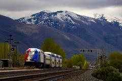 Tren de cercanías del ` del FrontRunner del ` en Utah imagen de archivo libre de regalías