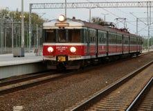 Tren de cercanías regional en Lodz Imágenes de archivo libres de regalías