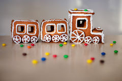 Tren de la Navidad hecho del pan de jengibre Foto de archivo libre de regalías