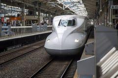 Tren de la velocidad de Shinkansen Imágenes de archivo libres de regalías