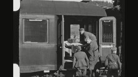 Tren de Lifted Into Hospital del soldado herido del alemán