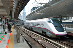 Tren de punto negro de Shinkansen Fotografía de archivo