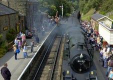 Tren del vapor que llega Goathland Fotos de archivo libres de regalías
