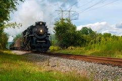 Tren del vapor que truena Imagen de archivo libre de regalías