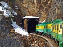 Tren en Alaska Imágenes de archivo libres de regalías