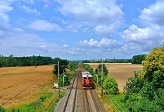 Tren en el campo checo Imágenes de archivo libres de regalías
