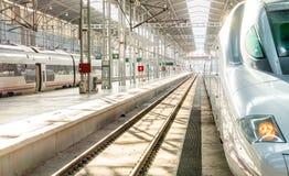 Tren en la estación Imagen de archivo libre de regalías