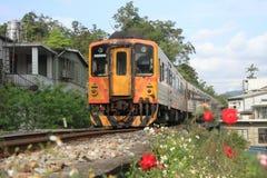 Tren en la línea de Pingxi Imagen de archivo libre de regalías