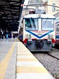 Tren en la plataforma Imagen de archivo
