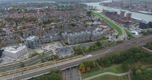 Tren en la visión ferroviaria, aérea, dordrecht, Países Bajos