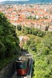 Tren funicular que va abajo del Schlossberg en Graz, Austria Imagen de archivo