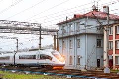 Tren híbrido-eléctrico de alta velocidad Sapsan Imagen de archivo libre de regalías