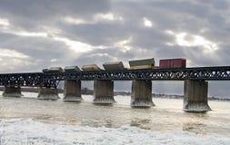 Tren hecho descarrilar Fotos de archivo