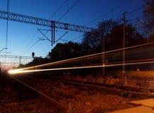 Tren nocturno Fotos de archivo libres de regalías