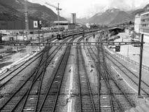Tren oscuro del carril Imagen de archivo libre de regalías