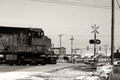 Tren que cruza Foto de archivo