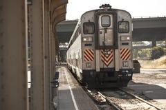 Tren que sale Imagen de archivo libre de regalías