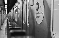 Tren subterráneo de New York City del subterráneo de la muestra del MTA foto de archivo libre de regalías