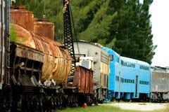 Tren viejo con los coches del petrolero foto de archivo libre de regalías