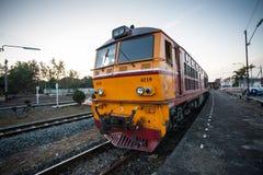 Tren viejo en Tailandia fotografía de archivo libre de regalías