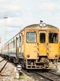 Tren viejo en transporte público Imágenes de archivo libres de regalías