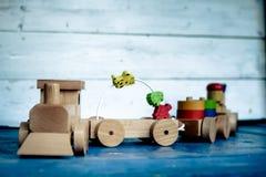 Tren y carros de madera Fotografía de archivo