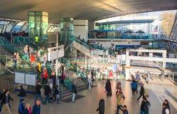 Tren y estación de metro internacional de Stratford, una del empalme más grande del transporte de Londres y Reino Unido Foto de archivo libre de regalías