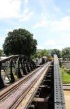 Tren y puente Foto de archivo libre de regalías