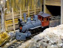 Tren y túnel del vapor Fotos de archivo libres de regalías