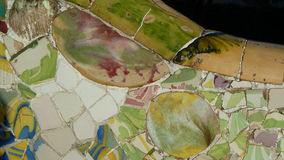 Trencadis mosaik i Parc Guell Royaltyfria Bilder